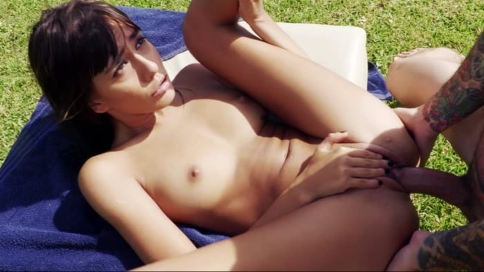 Janice Griffith in Fucking Young Whores On Vacation -  ...